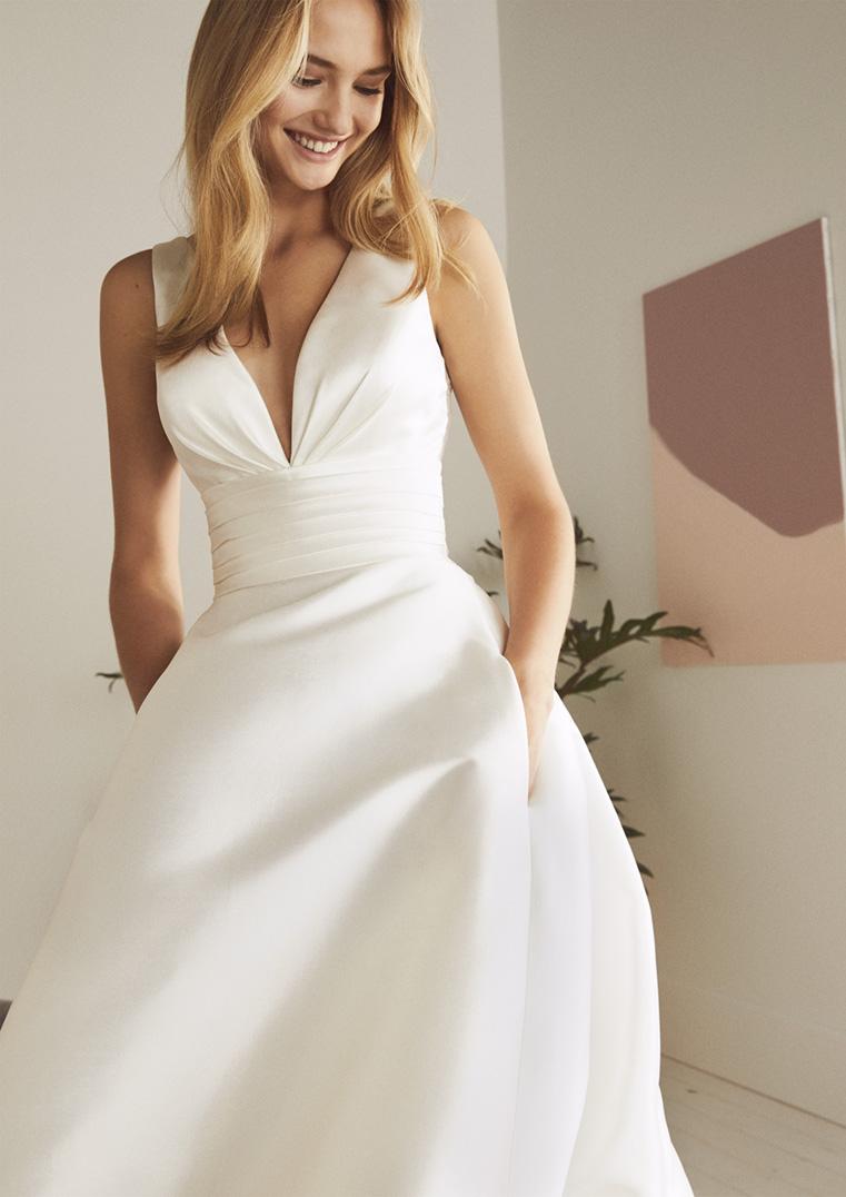 cele mai recente moda designerului design nou ODINA - Rochie de mireasa cu trena Cluj - Say Yes To The Dress