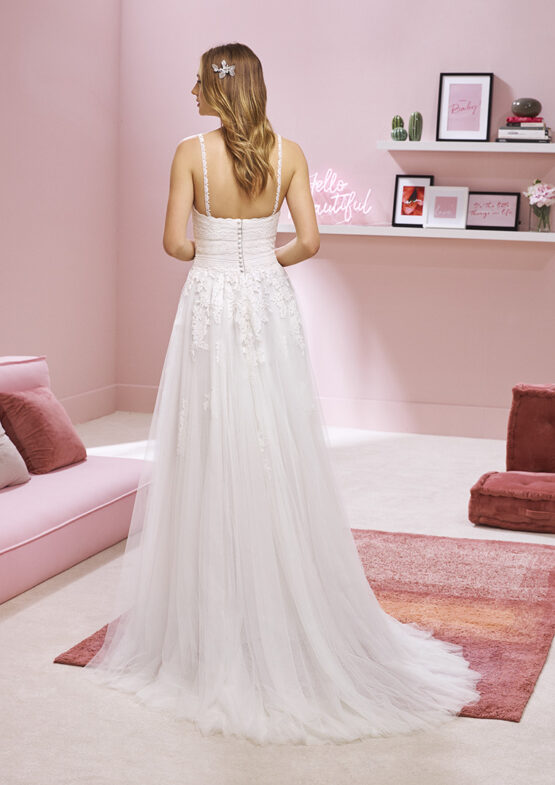 Salon Say yes to the Dress Cluj Rochie de mireasa CARDI