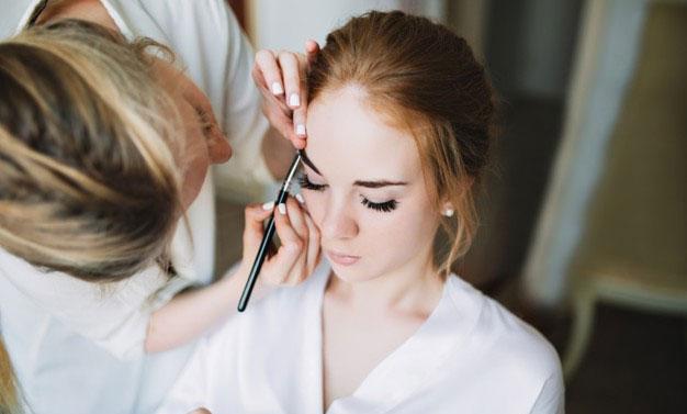 Make-up mireasa calma si fericita